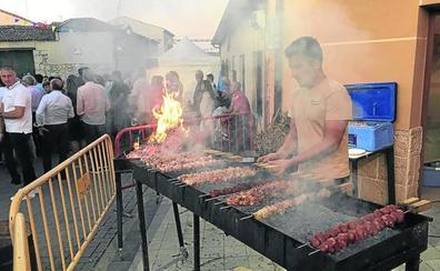 La Feria del Pincho de Lechazo llena Traspinedo y rubrica su atractivo