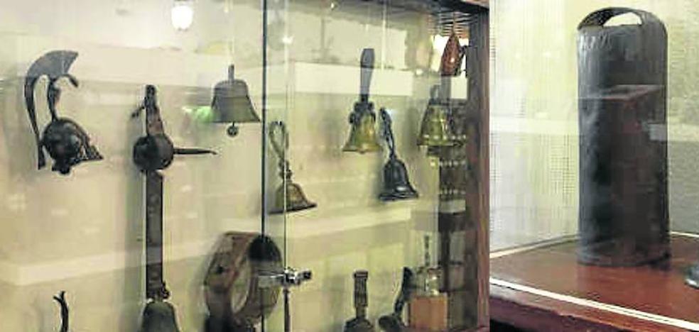 El Museo de Joaquín Díaz enriquece sus fondos con la donación de 900 campanillas