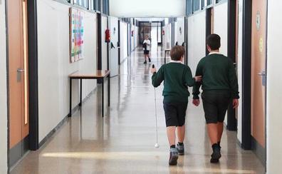 Adriana y Jesús, dos estudiantes con discapacidad escolarizados en centros ordinarios de Valladolid