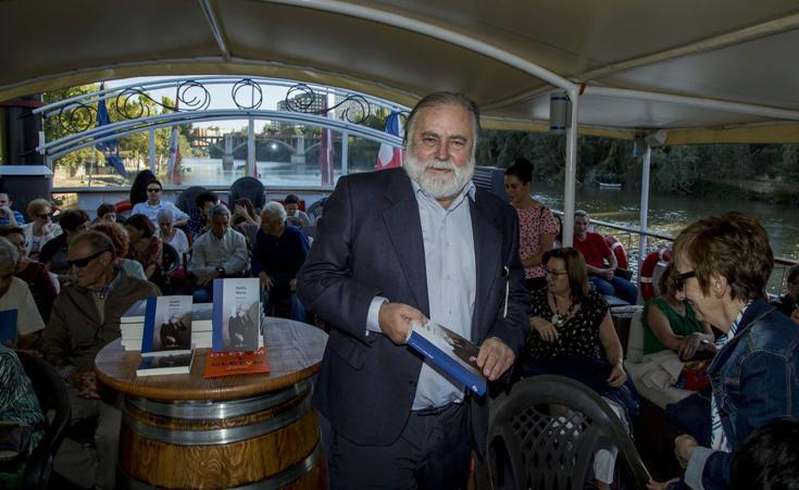 El escritor José de Cora inaugura el curso del Aula de Cultura con el libro 'Habla Mario'