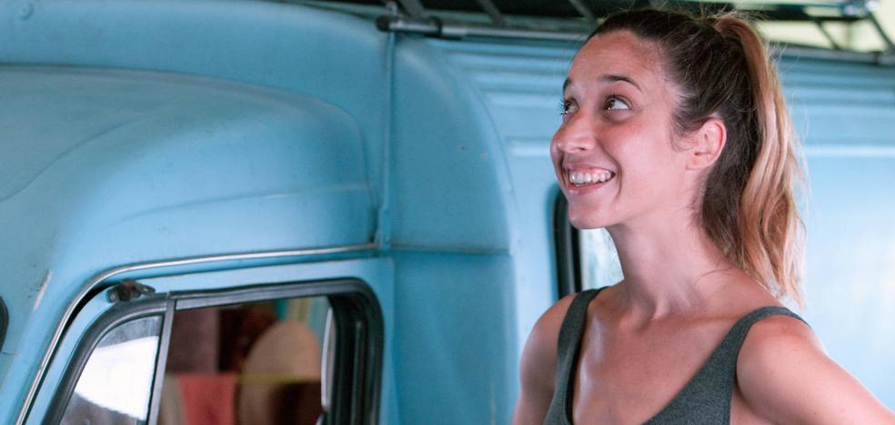 Lara Izagirre finaliza el rodaje de 'Nora', una comedia femenina