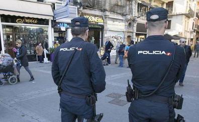Detenida una mujer en Valencia por pegar a sus hijos con un matamoscas