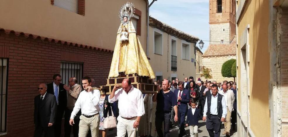 Villagarcía de Campos se rinde ante la Virgen del Rosario