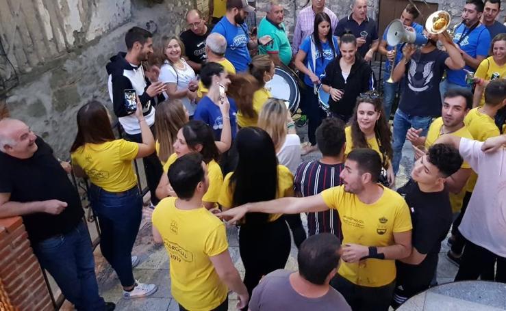 Animado recorrido por las bodegas de Madroñal