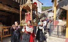 La Virgen de la Misericordia estrena manto en Monleras