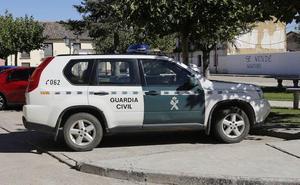 Detenidos dos hermanos de 23 y 26 años por agredir a su padre en un pueblo de Palencia