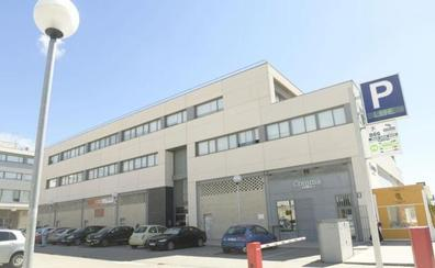 La Policía analiza la cámara y la tarjeta encontrada en un baño de mujeres de la empresa Konecta en Valladolid