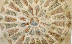 El rosetón de la Catedral de León, objeto de 'cambiazo' durante su restauración en Cataluña