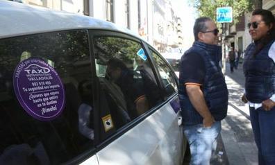 Un colectivo de taxistas de Valladolid se ofrecen para acompañar a las mujeres hasta el portal de su casa