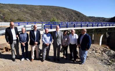 La Diputación abre el puente del Risco de Martiago que gana anchura y seguridad