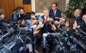 Marlaska considera «legítimas» las pretensiones retributivas de los funcionarios de prisiones