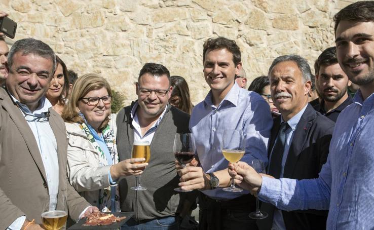 Albert Rivera participa en Salamanca en un acto público con simpatizantes