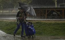 La lluvia sorprende a los vallisoletanos