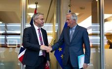 La negociación del 'brexit' vuelve a la vida