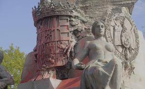 Yesca Castilla se atribuye las pintadas con las que ha amanecido la estatua de Colón de Valladolid