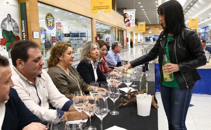 Animada cata de vinos Tiriñuelo