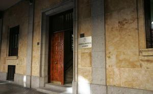 La Audiencia Provincial absuelve a una pareja por pasarse droga «presuntamente» en un 'vis a vis'