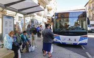 El nuevo contrato del autobús de Salamanca deberá asumir la reordenación propuesta por el tejido social