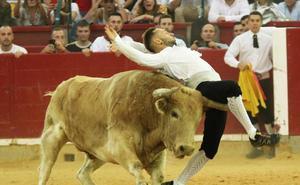 El cortador de La Pedraja, Pablo Martín 'Guindi', herido grave en la plaza de Zaragoza