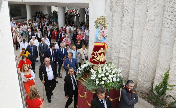 Procesión de la Virgen del Pilar en el barrio de La Pilarica