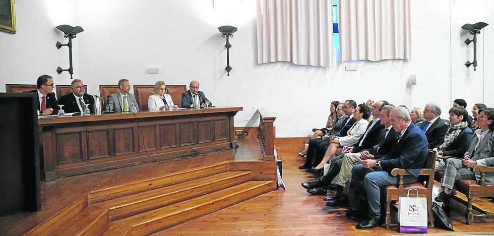 Fisioterapia rinde homenaje al profesor Calvo Arenillas en la Universidad de Salamanca