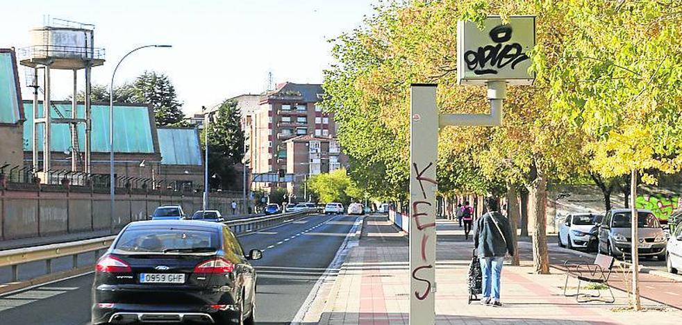 Radares láser y 'foto-rojos' contra las carreras en Palencia