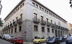 Siete años de cárcel para un camarero por acuchillar a un cliente que fumó en un bar de Segovia
