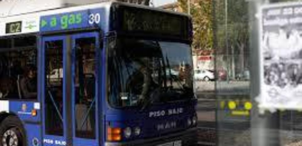 Tres pasajeras de un autobús de Valladolid, heridas tras frenar el vehículo para evitar un choque