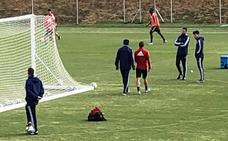 Hervías se retira del entrenamiento del Real Valladolid con molestias en la rodilla
