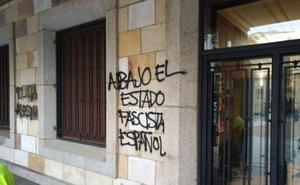 El subdelegado del Gobierno reprueba la aparición de pintadas independentistas en Zamora