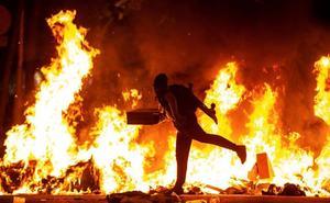 Más de 5.000 encapuchados participaron en la noche más violenta del independentismo catalán