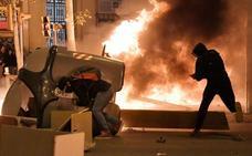 La nueva noche de violencia en Cataluña deja 33 detenidos y 80 heridos