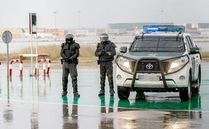Los Guardias Civiles del GRS de León evitan el bloqueo del Aeropuerto de El Prat