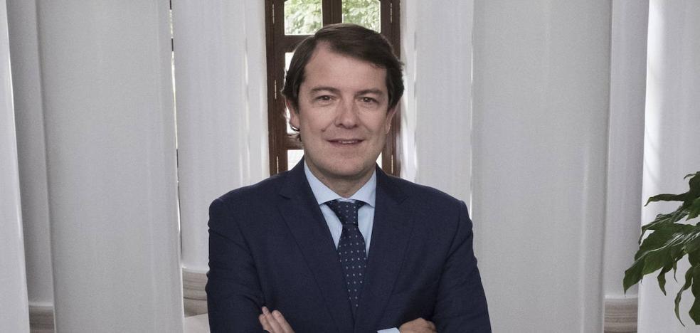 Mañueco exhorta al Gobierno a garantizar la seguridad en Cataluña