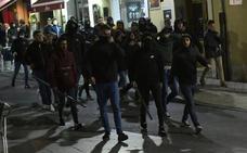 La Policía evita que la tensión entre manifestaciones rivales acabe en pelea en Valladolid