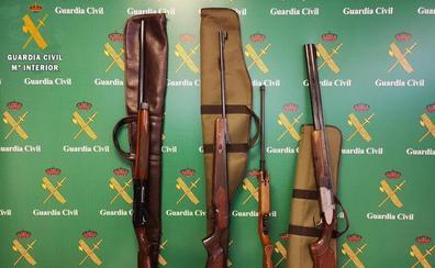 La Guardia Civil recupera en Madrid armas que fueron robadas en una casa en Palencia