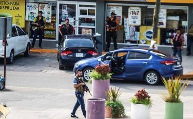 Arde Culiacán a manos del cartel de Sinaloa