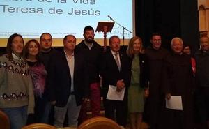 La lectura continuada de poemas de Santa Teresa de Jesús centra la mañana festiva en Alba de Tormes