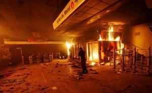 El Gobierno de Chile decreta el estado de emergencia en Santiago por las violentas protestas