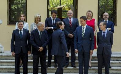 Castilla y León y Madrid son las dos comunidades con menos mujeres en sus gobiernos
