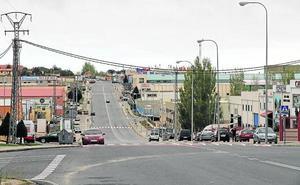 La Policía Local advierte de que sancionará por aparcar en las aceras del polígono de Hontoria