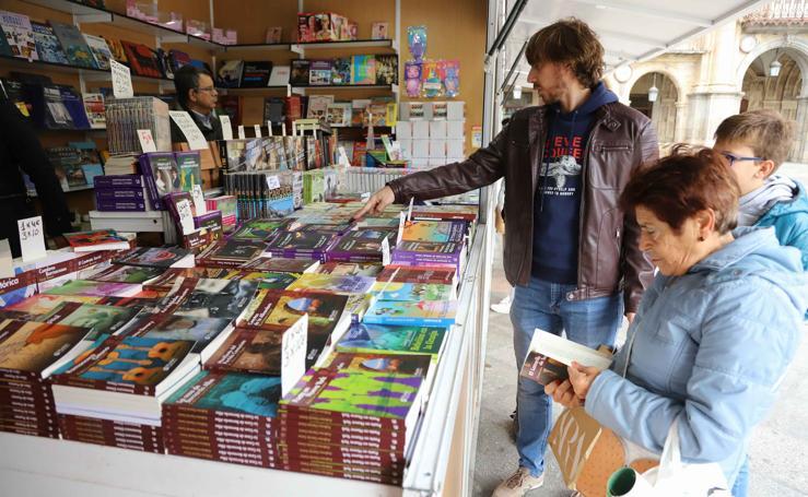 Las imágenes de la Feria del Libro Antiguo de Salamanca