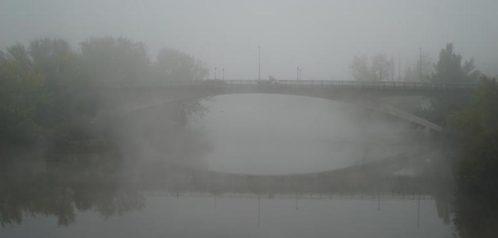 La niebla dificulta la visibilidad en varios tramos de carreteras de la provincia de Valladolid