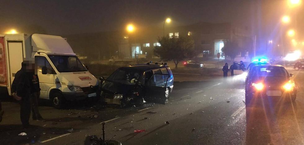 El choque entre dos vehículos en el Polígono de San Cristóbal deja un herido