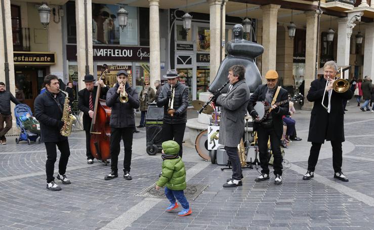 Los palentinos disfrutan del jazz con Pixie&dixie band