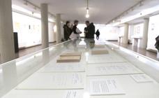 La Casa Revilla reaviva en una exposición la llama poética de Claudio Rodríguez