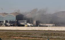 Reabre el aeropuerto de Alicante tras el incendio