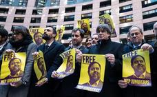La Eurocámara activa el procedimiento para retirar la inmunidad a Puigdemont y Comin