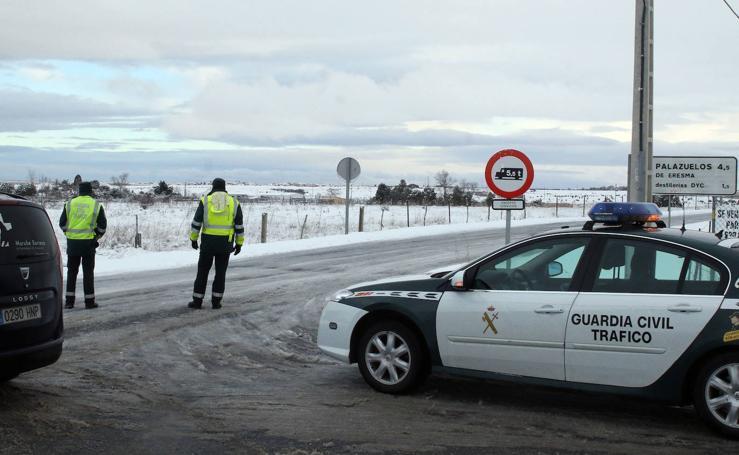 La nieve sigue causando problemas en Segovia y provincia (2)