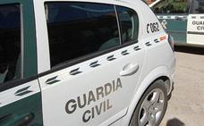 Atracan a punta de pistola a un hombre cuando acudía al banco de un pueblo de León para ingresar dinero